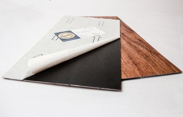 vinylboden-selbstklebend-vorn-und-hinten